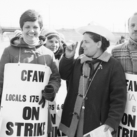 1979 02 18 Picket line outside Lancia Bravo foods.jpg
