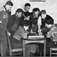 Chess 1940s mod.jpg